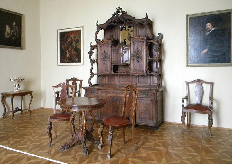 Дерев'яні меблі середньовіччя