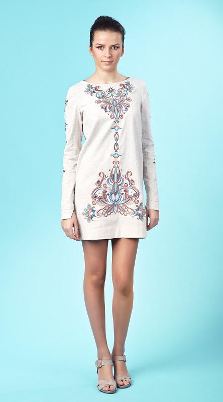 Жіноча вишита сукня. Машинна вишивка